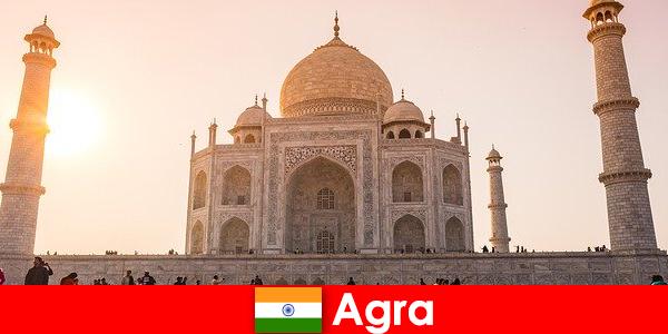 Впечатляющие дворцовые комплексы в Агре Индия — это путеводитель для отдыхающих