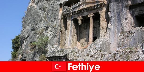 Фетхие древний город у моря со многими памятниками