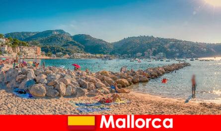 Майорка с всемирно известной вечеринкой и прекрасными пляжами