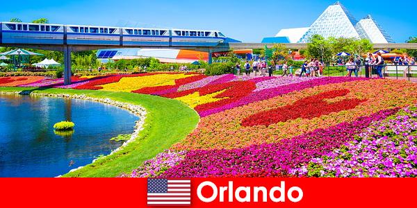 Орландо — туристическая столица США с многочисленными тематическими парками.