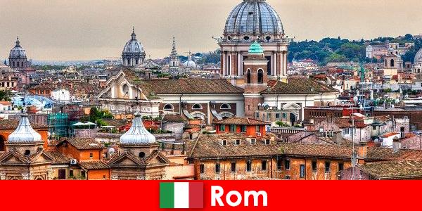 Рим Космополитичный мегаполис с множеством церквей и часовен — отправная точка для незнакомцев