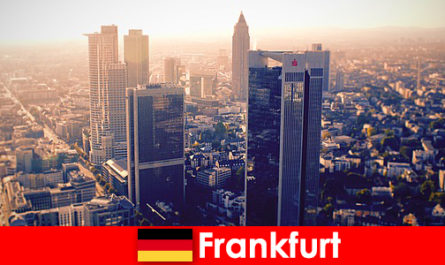бордели и клубы во Франкфурте-на-Майне Первый класс эскорт-услуг для благородных гостей