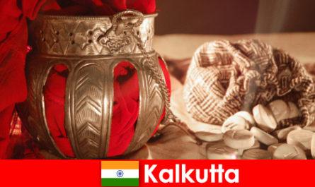 Памятники и храмы убеждают новых посетителей своими красотами Калькутты