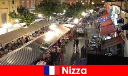 Ницца предлагает уютные рестораны и хорошо посещаемые ночные клубы для иностранцев