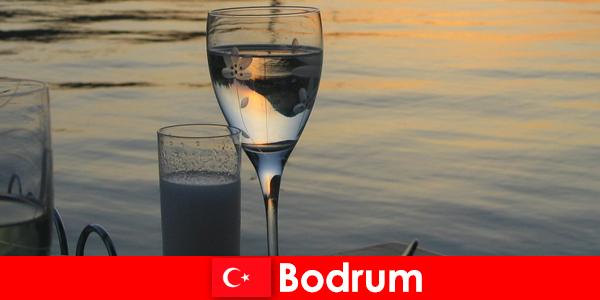 В Турции дискотеки Бодрума, клубы и бары для юных туристов