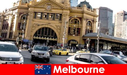Крупнейший в Мельбурне рынок под открытым небом в южном полушарии - место встречи незнакомцев.