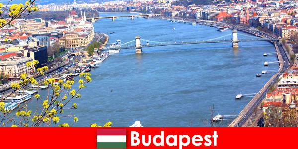 Будапешт в Венгрии — популярный туристический совет для купания и оздоровительного отдыха.