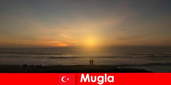 Летнее путешествие в Муглу, Турция с живописными бухтами для любителей в сердце города.