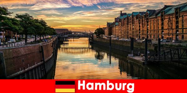 Архитектурная красота и развлечения для коротких перерывов в Гамбурге, Германия