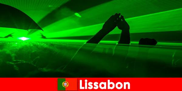Популярные дискотеки на пляже для молодых тусовщиков в Лиссабоне, Пор-тугалия
